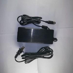 【顺丰包邮】永诺 LED摄影灯专用航空插头外接电源适配器19V6A